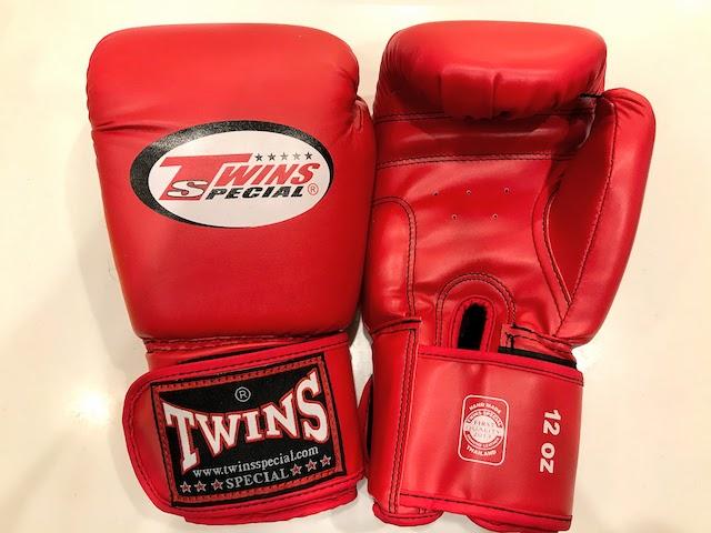 twins gloves 1